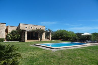 Private Finca mit Pool