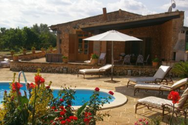 Finca mit Pool in Alleinlage