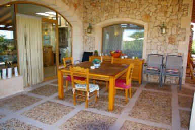 Finca Na Pont - Tisch auf der Terrasse