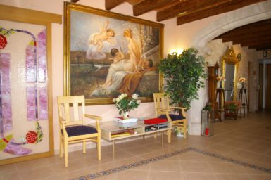 Finca Na Pont - großes Gemälde in der Eingangshalle