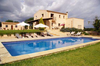 Finca mit Pool nahe Cas Concos zum mieten
