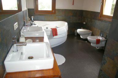Bad im Obergeschoss Finca Primera