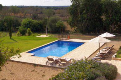 Blick auf den Finca Poolbereich