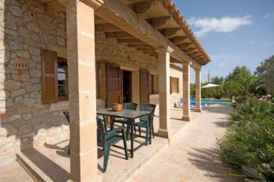 Finca Rustica - überdachte Terrasse