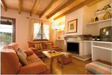 Finca Rustica - Wohnbereich mit Sat-TV