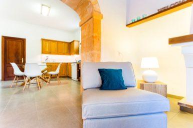 Finca Sa Clova - Durchgang zur Küche