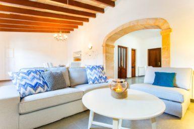 Finca Sa Clova - gemütliche Couch