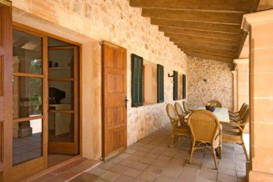 Finca Sa Fonteta - überdachte Terrasse