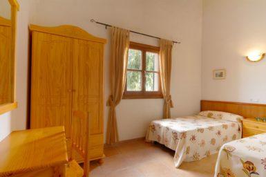 Finca Sa Fonteta - Schlafzimmer mit Einzelbetten