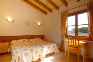 Finca Sa Fonteta - helles Schlafzimmer