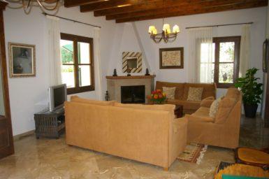 Finca Sa Sinia - Wohnbereich mit Sat-TV
