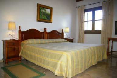 Finca Sa Sinia - Schlafzimmer im OG mit Bad en Suite