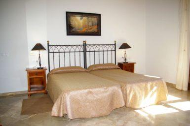Finca Sa Sinia - Schlafzimmer mit schönen Doppelbett