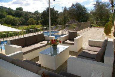 Finca Son Capellet - gemütlicher Sitzplatz mit Ausblick