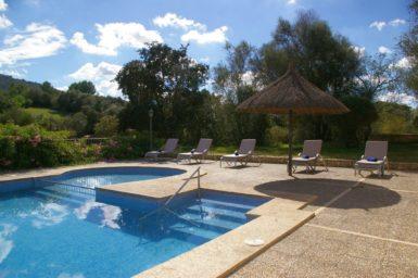 Finca Son Capellet - Pool mit Treppeneinstieg