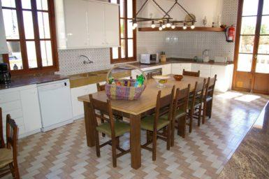 Finca Son Granada - Esstisch in der Küche