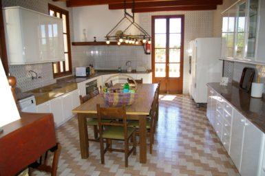 Finca Son Granada - Küche mit Essbereich