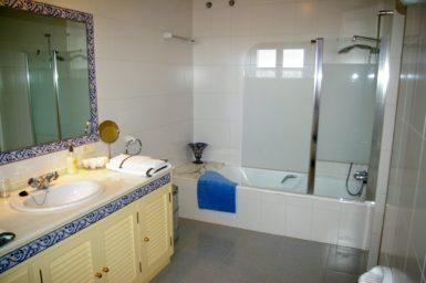 Finca Son Granada - Bad mit Badewanne
