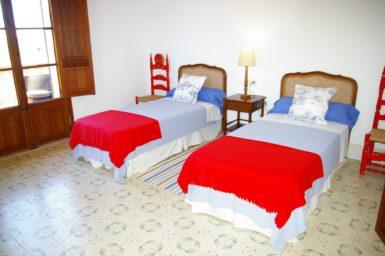 Finca Son Granada - Schlafzimmer mit 2 Einzelbetten