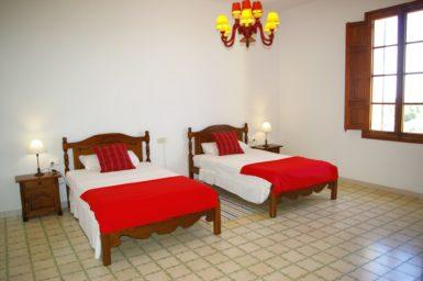 Finca Son Granada - Doppelschlafzimmer mit 2 Einzelbetten