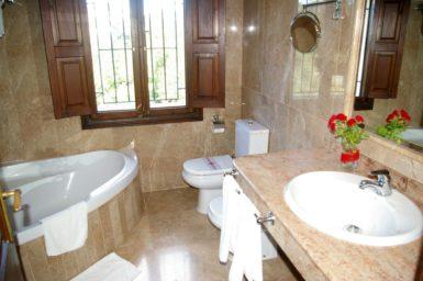 Finca Son Perxa - Bad mit Dusche und Badewanne
