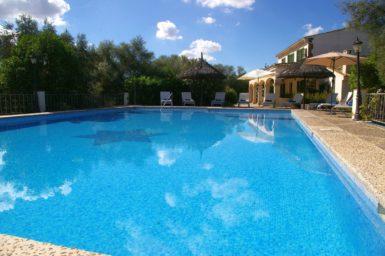 Finca Son Perxa - der große Pool mit Kinderbereich