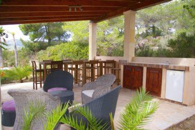 Finca Vall Dor - Poolhaus mit Außenmöbel