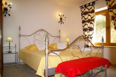 Finca Vall Dor - Schlafzimmer mit Doppelbett