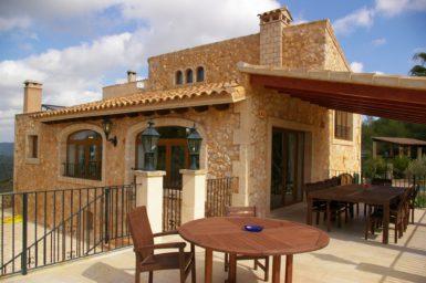 Finca Vall Dor - große Terrasse am Haus