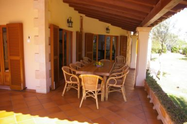 Finca Sanau - Essbereich auf der Terrasse