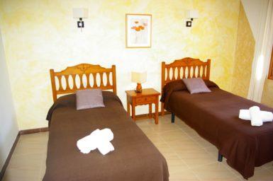 Finca Sanau - Schlafzimmer mit 2 Einzelbetten