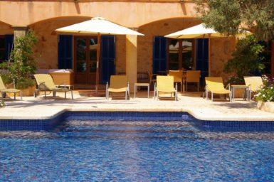 Finca Son Azul Real - Pool mit Treppeneinstieg