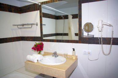 Finca Sa Pleta - Waschbecken im Bad en Suite