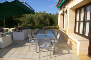 Finca Sa Pleta - Essplatz für 12 Personen auf der Terrasse