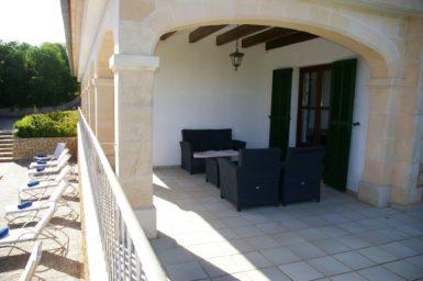 Finca Sa Pleta - kleine überdachte Terrasse