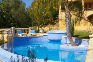 Der Pool der Finca Sa Mola