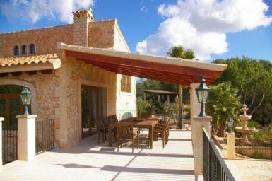 Finca Vall Dor - überdachte Terrasse