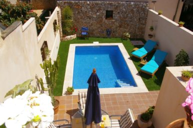 Patio mit privaten Pool