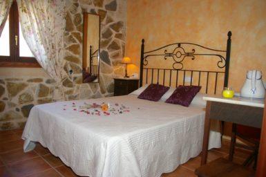 Schlafzimmer mit Doppelbett - Stadthaus Antonio