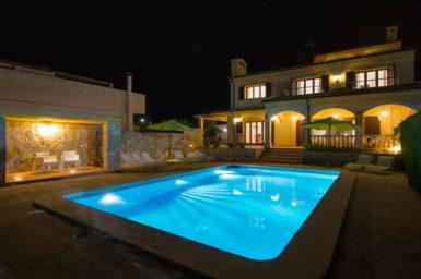 Villa Ca Nostra bei Nacht