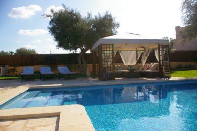 Villa Colom - Pool mit Treppeneinstieg