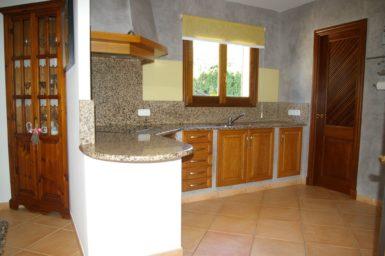 Villa Colom - Küche mit Granitarbeitsplatte