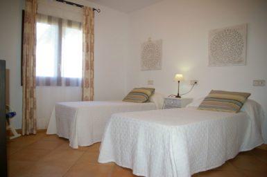 Villa Colom - Schlafzimmer mit Einzelbetten