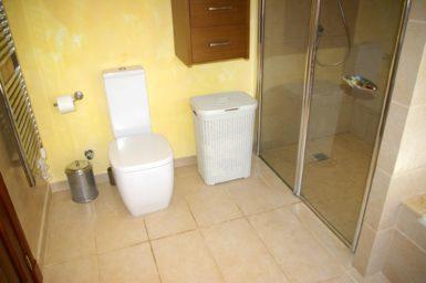 Villa Colom - Bad mit Dusche und WC