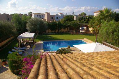 Villa Colom - Blick auf den Pool