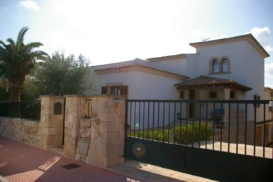 Villa Colom - Einfahrtstor