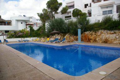 Ferienhaus Playa Dor - großer Pool