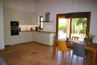 Finca Sa Tortuga - Küche und Essplatz