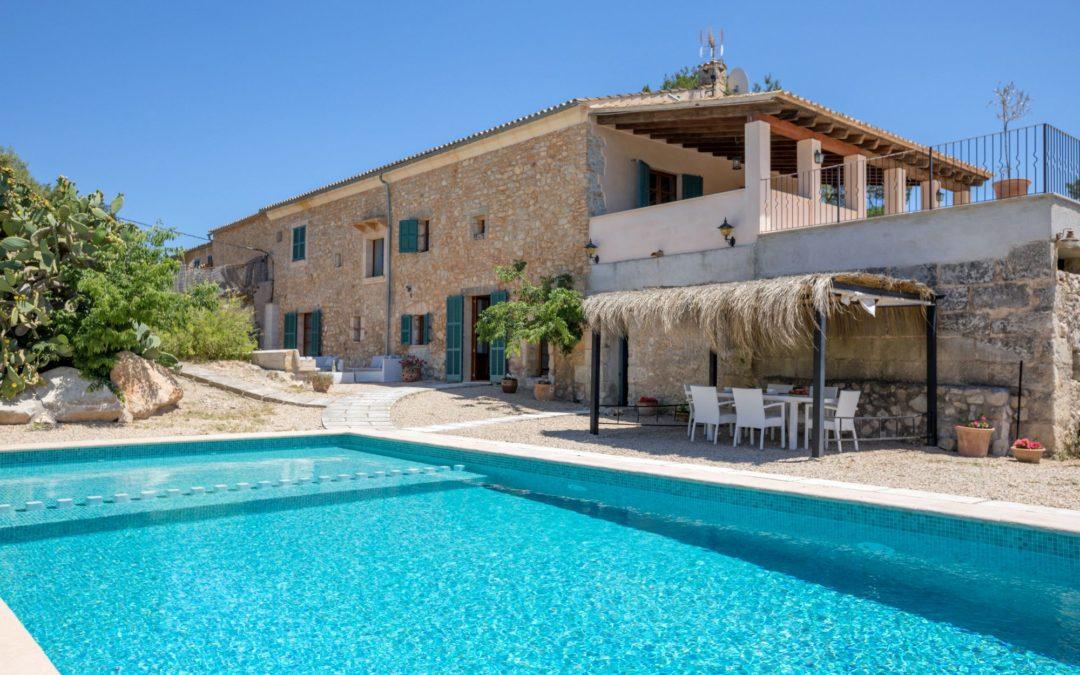 Finca-Landhaus mit Pool