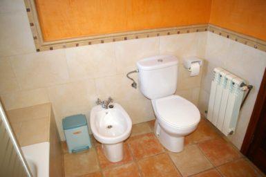 Bad mit WC und Bidet